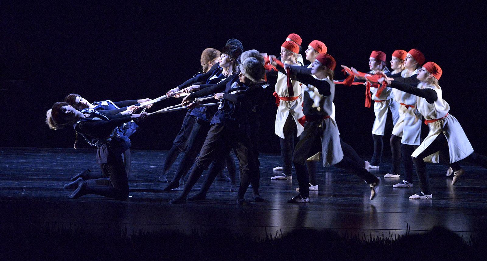 Prokofjew Rote Weisse Armee Tanztheater HEEG