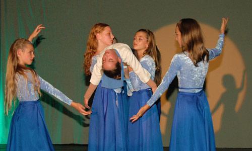 Tanztheater lyrisch inspiriert